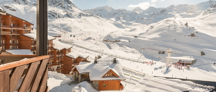 france_three-valleys-ski-area_val-thorens_le-tikal-apartments_view.jpg